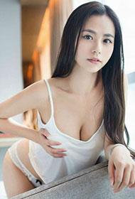 清纯靓丽养眼美少女Moa小姐最新私房写真
