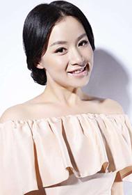 时尚美女明星姚芊羽小露香肩图片