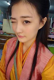 新生代人气演员徐璐古装自拍照