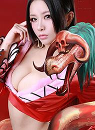 极品长发美女性感cospaly女帝蛇姬