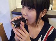 日本小学可爱吃货女生图片