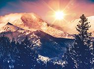 绝美的高山黄昏风景图片