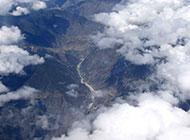 俯视西藏旅游区风景图片