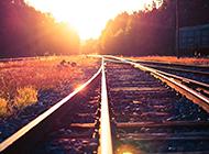 如此唯美迷人的黄昏铁路高清图片