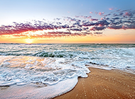 唯美浪漫的海边黄昏风景图片