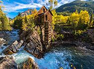 美丽迷人的河边建筑风景图片