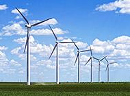 草原上的风车风景清晰图片