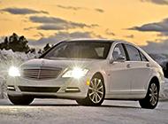 全新白色奔驰S级轿跑车摄影图片