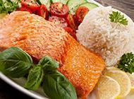色香味俱全的日式三文鱼饭