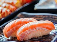 著名日本料理三文鱼寿司图片