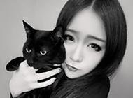 精选九月最新美女黑白头像图片