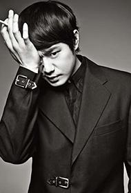 韩国演员千正明帅气写真照片