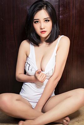 中国丰满美女高萌萌大尺度写真套图