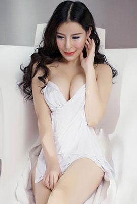 极品美女艺潇最新高清浴室写真