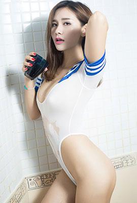 性感美女斯童海军制服人体写真图