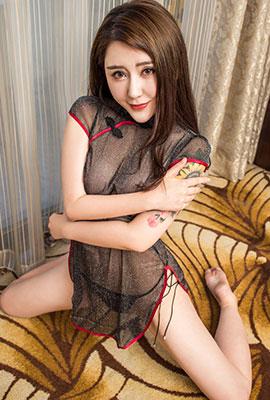 透明旗袍美女菲儿性感迷人写真图片