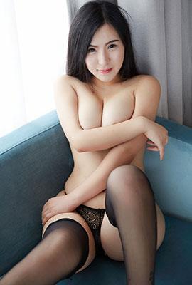 蕾丝丁字裤美女伊琳丰满人体写真图