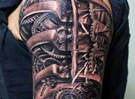绽放狂野的机械臂纹身图片