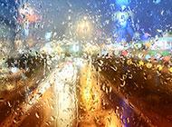 下雨天的窗外模糊意境图片