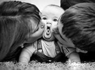 宝宝搞笑囧图之亲一个