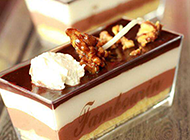 香甜美味的椰香巧克力图片