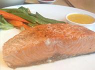 鲜美可口的煎三文鱼图片