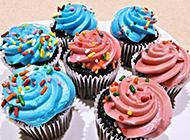 香甜美味的五彩蛋糕图片