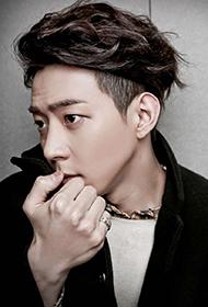韩国男明星朴有焕帅气图片