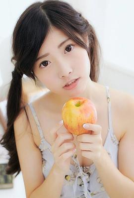 台湾美女王舒颖迷人自拍照