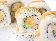色彩鲜明的抹茶寿司图片