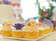 婚礼上的唯美蛋糕甜点图片