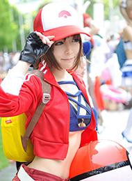 宠物训练师cosplay美女