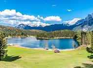 美丽的雪山湖泊草原图片
