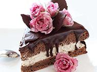 精美的巧克力玫瑰蛋糕图片