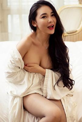性感御姐耿珊珊大胆人体写真图片
