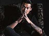 商务型男的花臂纹身图案
