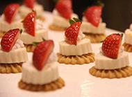 好看的草莓甜点图片