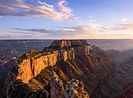 气势蓬勃壮阔的大自然峡谷风景图片