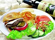 健康搭配黑椒牛肉汉堡图片