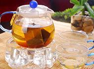 刚泡的热柠檬红茶图片