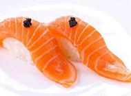 鲜美可口的三文鱼寿司图片