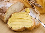 松软的芝士全麦面包图片