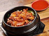 诱人的韩式经典石锅拌饭图片