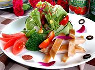 健康营养的蔬果沙拉图片
