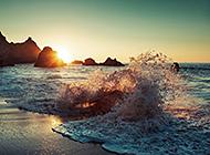 蓝色大海海浪壮阔风景图片