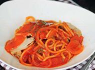 健康营养的鸡胸茄汁面图片