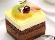 好吃的水果巧克力小蛋糕图片