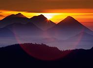 冉冉升起的日出风景图片