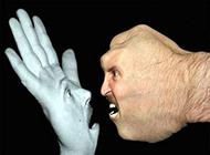 巴掌与拳头的较量网络PS图片