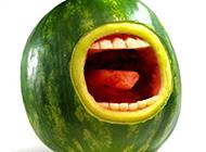 大嘴巴水果西瓜搞怪图片